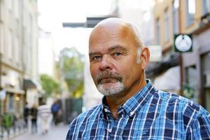 Bert Eric Carlsson, Östersund:   1. Miljön   2. Ja   3. Något parti åt vänster