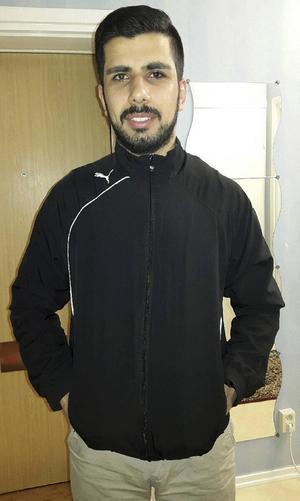 Fesal Alysa reagerade starkt på kränkningarna och kände att han var tvungen att berätta om det som händer.