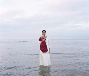 Samma vecka som Nygårds Karin Bengtssons utställning på Fotografiska stänger, öppnar en ny utställning med nya bilder på Domeij Gallery i Stockholm. Här bilden