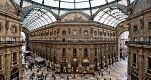 Galleria Vittoria Emanuele i Milano är full av designers. Italien har röstats fram som trendigast i Europa.