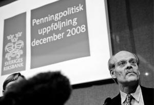 I går meddelade riksbankschefen Stefan Ingves att banken sänker räntan med 1,75 procentenheter.