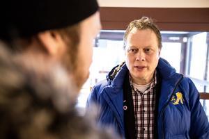 Oppositionsregionråd Abbe Ronsten är kritisk till majoritetens hantering av Tåg i Bergslagens långsiktiga plan.