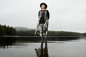 Ellen Sundberg inspireras av allt möjligt i sitt musikskapande.