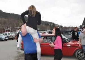 Den sena påsken med betydligt varmare väder bidrog till att den norska fyllefesten blev stökigare än den varit på flera år.