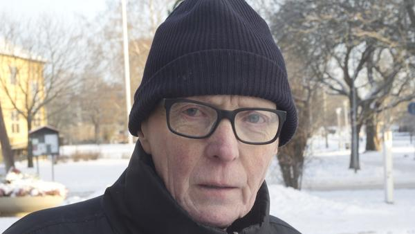 Leonard Ljungdahl, 68 år, pensionär, Fagersta:– Nej, det brukar dra ut på tiden. Man är ju bekväm, så det brukar bli i slutet av januari. Men vi har dragit ner på julpyntet för att man måste ta bort allt sedan.