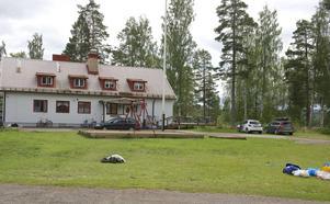 Under natten mot söndagen lämnade bussen Krokströmmen och alla asylsökande har flyttat in på boendet.