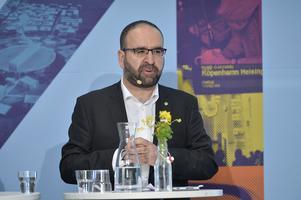Bostadsminister Mehmet Kaplan (MP) i Almedalen 2015.
