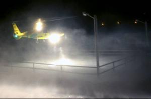 Ambulanshelikoptern hämtade den man som skjutits med hagelgevär.