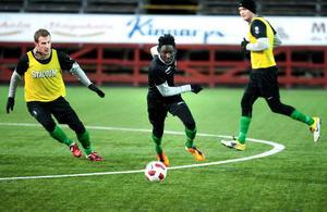 Omar Jagne är klar för sin andra raka säsong i Falu FK.