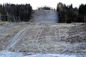 Gårdtjärnsberget drivs av Edsbyns IF Alpina. Med ett nytt avtal förstärker kommunen driftsbidraget med 250 000 kronor för att Alpina ska klara kostnader för att driva backen.