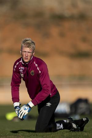 Oskar Larssons utlåning till Egersund blir permanent, och målvakten lämnar därmed GIF.