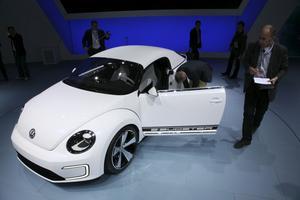 VW E-Bugster är en eldriven VW Beetle med löstagbart tak. Fast den är bara en konceptbil. Men det sade man även när Volkswagen för första gången visade nyaBeetle, också i Detroit. Och den blev som bekant förverkligad.