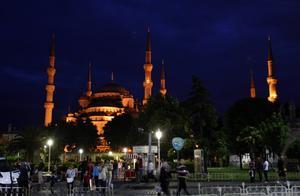 Turkiet har en lång väg kvar, särskilt när det gäller grundläggande mänskliga rättigheter.