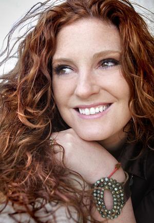 Grammynomineringen gav självförtroendet som Sarah Kelly behövde för att ta sig ur ett våldsamt förhållande och bli lycklig på riktigt.