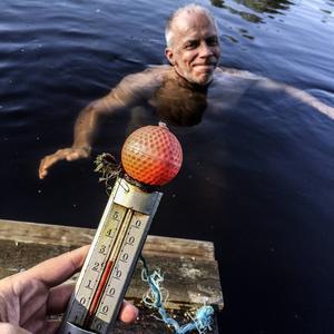Den otroligt varma sommaren gjorde vattnet så varmt att det inte ens svalkade.