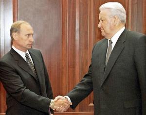 Boris Jeltsin var ledare för Ryssland i ett decennium. Han överlämnade makten till Vladimir Putin i december 1999. Foto: AP/Itar Tass/TT