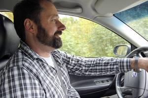 Tänk om livets bästa bild finns bakom nästa krök? Seth Nilsson har kört 3000 mil i Hälsingland, och kommit halvvägs.