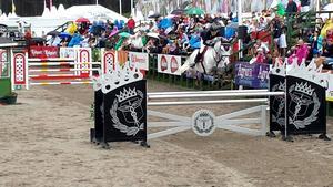 Här rider Malin Baryard-Johnsson Märta, eller H&M Second Chance, på Falsterbo horse show.