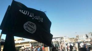 Foto från när IS firar deklarationen av en islamsk stat i Fallujah, Irak.