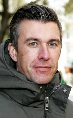 Johan Söderbom,41 år, Frösön:– Nja. Vi har bestämt var vi ska fira julen. Det blir hemma hos oss. Jag har inte börjat köpa julklappar än. Det blir väl som vanligt, på eftermiddagen den 23:e.