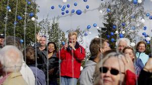 Många ville vara med och fira när nya väg 73 invigdes.