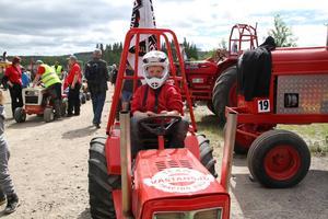 9-årige Gustav Ullander från Bjuråker deltog i gräsklipparklassen.