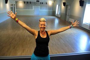 När Angelica Sjöholm arrangerade dans för funktionshindrade den 14 februari i år kom över 100 personer till Kulturhuset Svanen. Nu på lördag hoppas hon på ett nytt publikrekord.