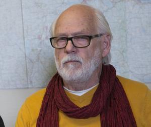 Ingvar Henriksson (S) vägrade att direkt kommentera det hårda angreppet, men valde att kalla antagonisten för