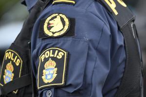 Läget är akut, skriver kommunalrådet Marino Wallsten (S) efter ökade problem med brottslighet i Fagersta, samtidigt som poliserna blivit färre.