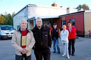 50 personer slöt upp för att prata om hur Folkets Hus (Parkhallen) i Söderfors kan räddas. Med på mötet var ordförande Ivan Eriksson och vice ordförande Uno Wåhlén. Samt Sune Nyman (sekreterare), Åsa Andersson och Ingrid Dicksson.