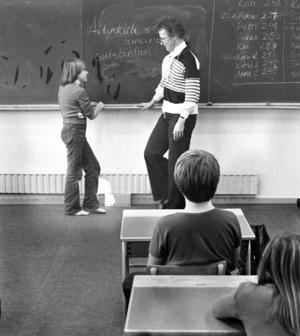 1976, skola i Jordbo. Bilden har inte med texten att göra.