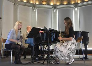 Lydia Holmlund, Mara Maculevica och Otto Ratz bjöd på en sprudlande kammarmusikkväll.