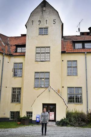 Fönstren i det övre av de två husen i Boda borg öppnas ofta utan förklaring. Katarina Ödmark som driver äventyrshuset berättar att enligt sägnen är det den gamla föreståndarinnan fröker Blomberg som öppnar för att vädra.