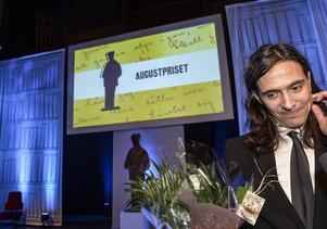 Jonas Hassen Khemiri vann priset för årets svenska skönlitterära bok för