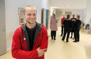 David Björkén, arbetsterapeut i rehabgruppen, hoppas att de psykiskt funktionsnedatta själva klarar av att fortsätta med de aktiviteter som gör deras vardag meningsfull. Foto: Anders Forngren
