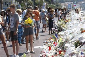 Den nationella enighet och det samförstånd som rått över partigränserna efter de två förra terrordåden, verkar med Nice vara som bortblåst. Arkivbild.   Foto: Claude Paris/AP/TT