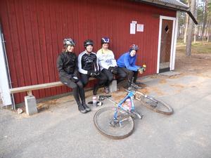 Vilopaus. Frida, Micke, Matte och Markus. Bild: Jörgen Flink.