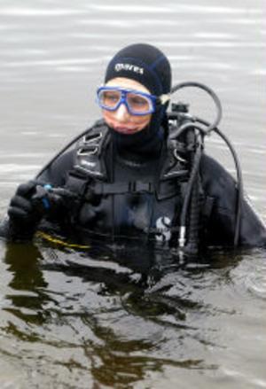 Som fisken i vattnet var Lotta Bovidson när dykmunderingen kommit på.