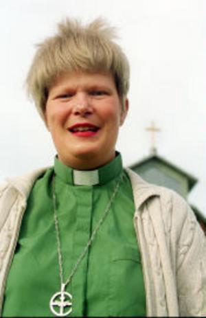 Lena Gunnarsson, diakon, Sundsvalls Gustav Adolfs församling:– Det var väntat, jag har förstått att partipiskorna har vint. Jag känner många som berörs av det här och jag är ledsen och jättebesviken. Det är oerhört tråkigt att man inte vågar stå upp för det som är viktigt. Vi har en asylpolitik som har havererat och amnestin skulle ha kunna varit en väg att förbättra situationen.
