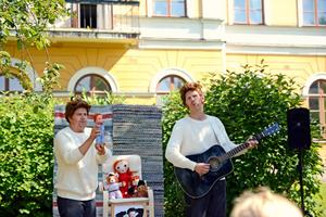 Martin Johansson och Håkan Borgsten spelade Allan i Residensträdgården.