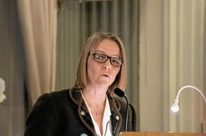 Den samlade oppositionen är kritisk mot nya förskolebygget för 25 miljoner, inte minst för att nu finns en privat aktör som håller på att starta en friförskola, förklarar oppositionsrådet Helena Vilhelmsson (C).