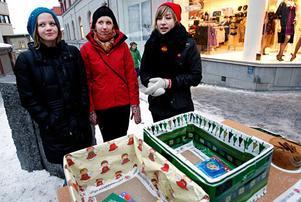 SSU-medlemmarna Kata Nilsson, Hanna Lindberg och Anna Norlén samlade in julklappar till kriminella och deras familjer.