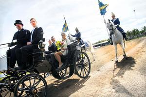Kronprinsessparet kom i en vagn dragen av Järvsöfaks med Jan-Olov Persson vid tömmarna.