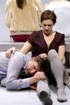 Iso Porovic och Helena Svartling som paret Ian och Boel i Nadja Dolores.