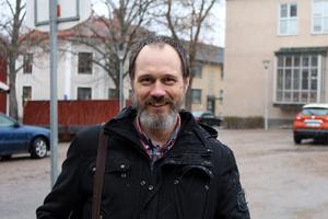 Mårten Hemström är ersättare för Liberalerna i skolnämnden. Han har drivit opinion för att Ransta skola ska få hemklassrum.