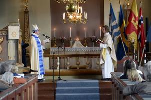 Ann-Sofie Näsvall är nu formellt mottagen som kyrkoherde av biskop Thomas Söderberg.
