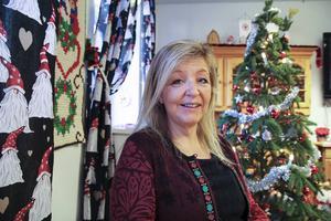 Röda Korset ordnar gemensamt julfirande. I år kommer man också dela ut matkassar berättar föreståndaren Mia Berg.