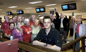 Bowlande pensionärer från både Bollnäs och Järvsö är glada över att hallen har fått en arrendator – även om Micke Lindblom kanske inte kommer att vinna några matcher åt dem.