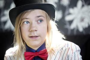 Gabriel Larsson är tolv år och trollkarl.