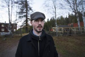 Patrik Hjort fyller 30 år, men känner sig som 50 år – delvis på grund av hans långa lista på erfarenheter.